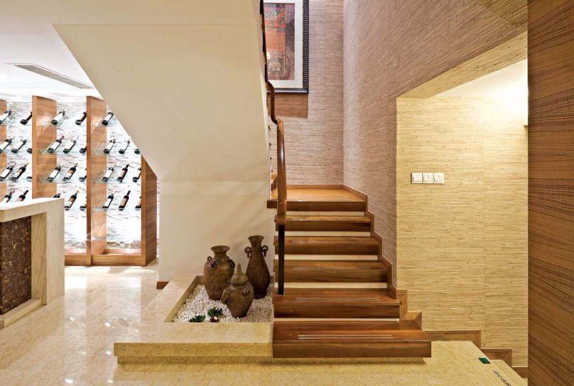 玄关咖啡色楼梯东南亚风格装潢设计图片