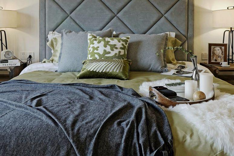 清新素丽卧室床设计图片