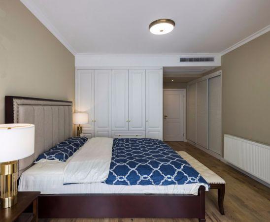 卧室白色衣柜美式风格装潢效果图