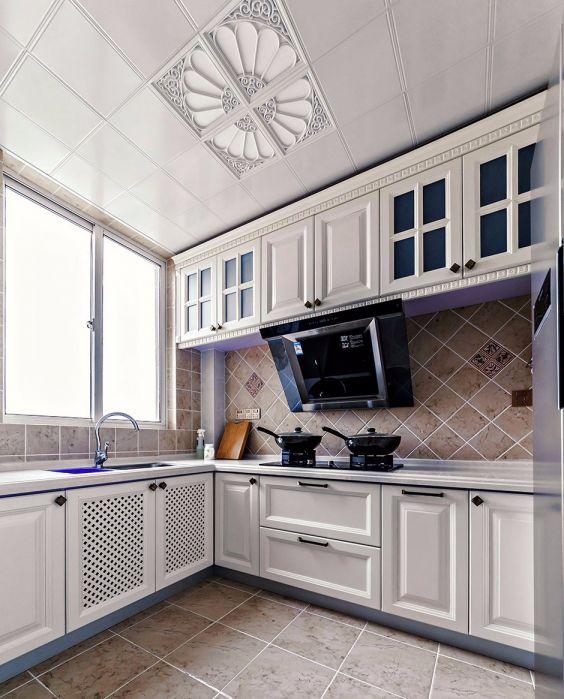 100平方巴洛克风格三居室装修风格