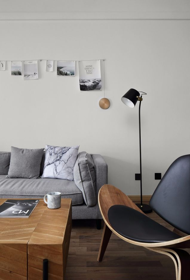客厅灰色沙发北欧风格装潢图片