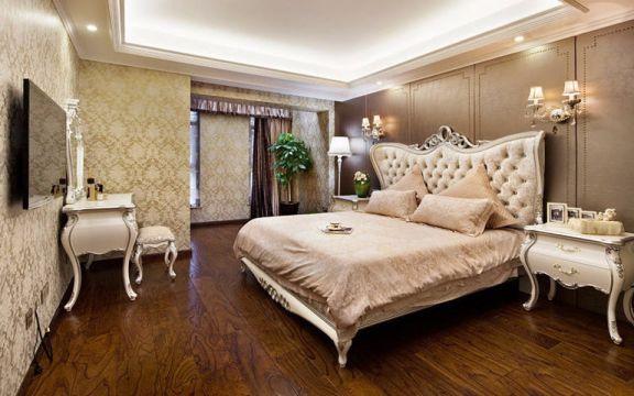 精品白色床头柜装潢实景图