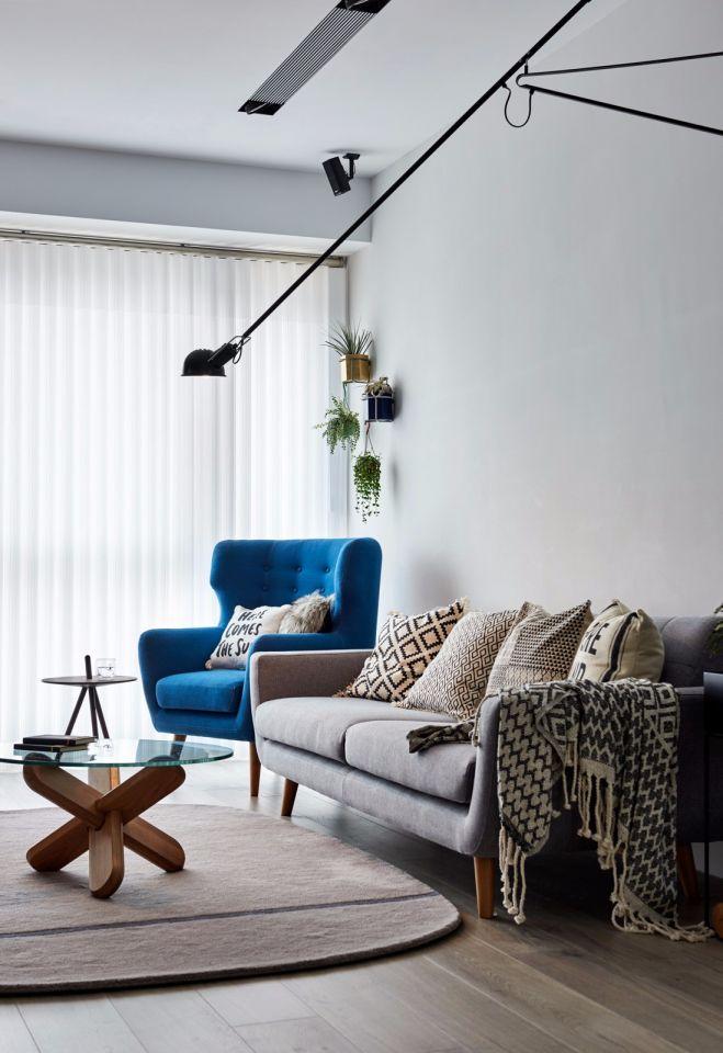 客厅白色窗帘北欧风格装饰图片