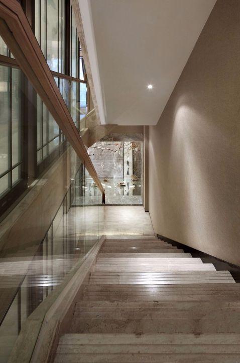 美轮美奂客厅楼梯案例图