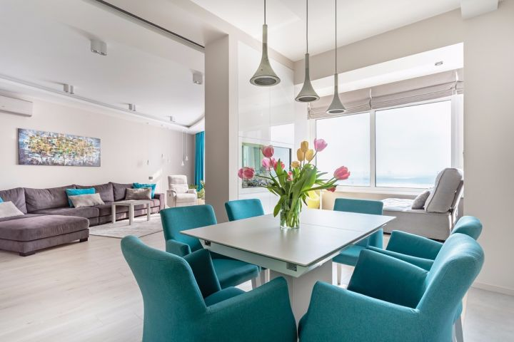 餐厅白色餐桌简约风格装修设计图片