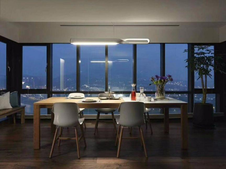 餐厅白色落地窗现代简约风格装潢效果图