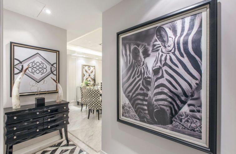 客厅黑色照片墙简欧风格效果图