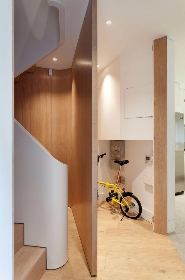 独具一格黄色楼梯装修设计图片