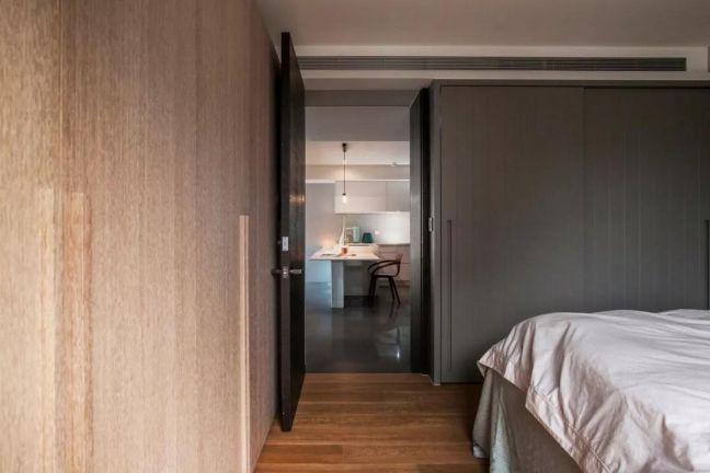 卧室黄色衣柜现代简约风格装潢图片