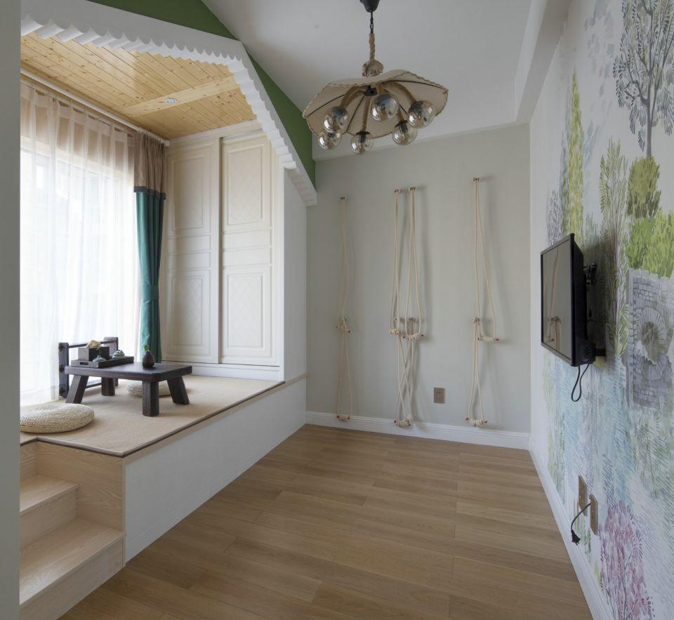 卧室白色榻榻米简约风格装潢图片