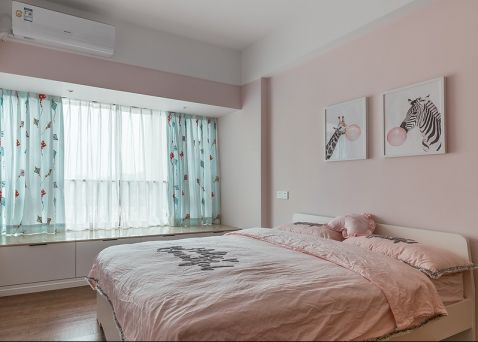 现代卧室飘窗案例图