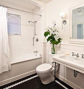 浴室白色浴缸美式风格装饰图片