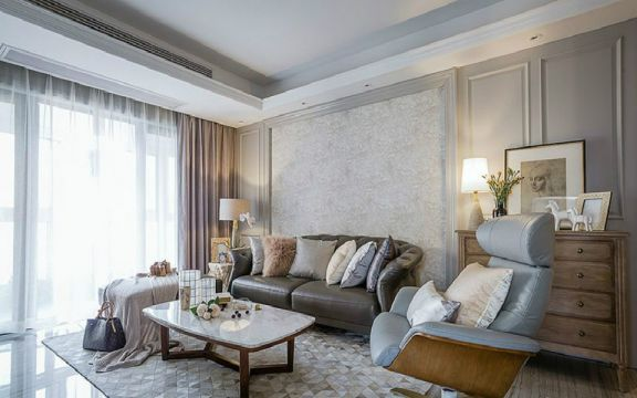 137平法式风格三居室装修效果图