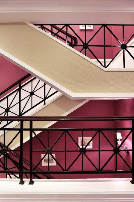 玄关楼梯新古典案例图
