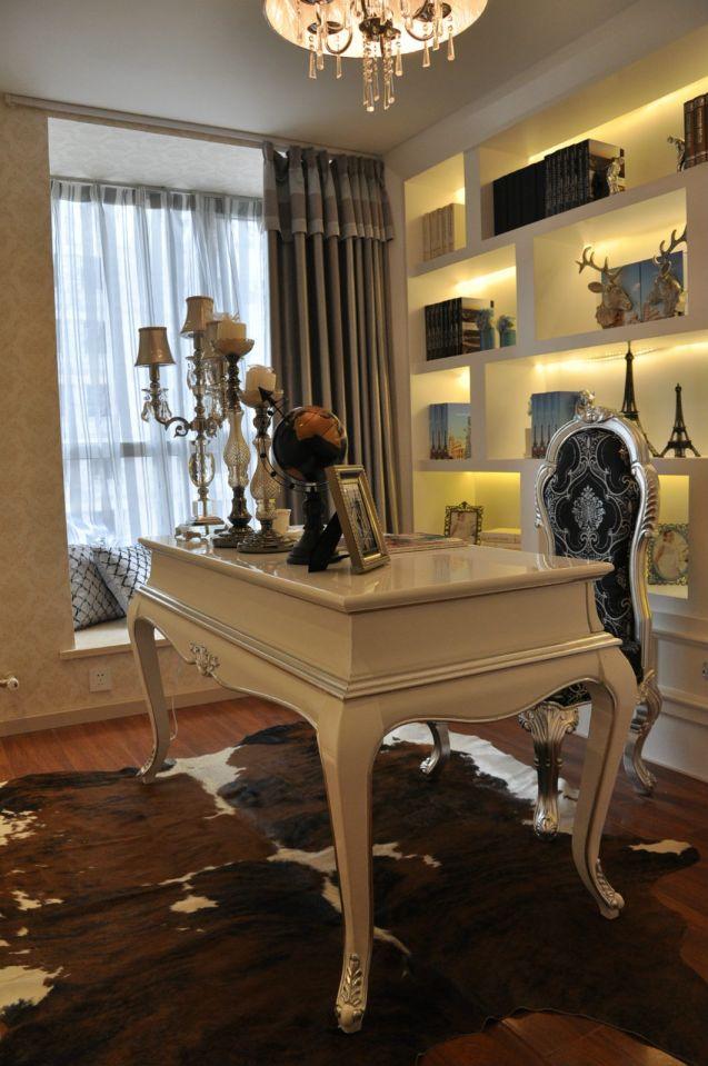 书房米色书桌新古典风格效果图
