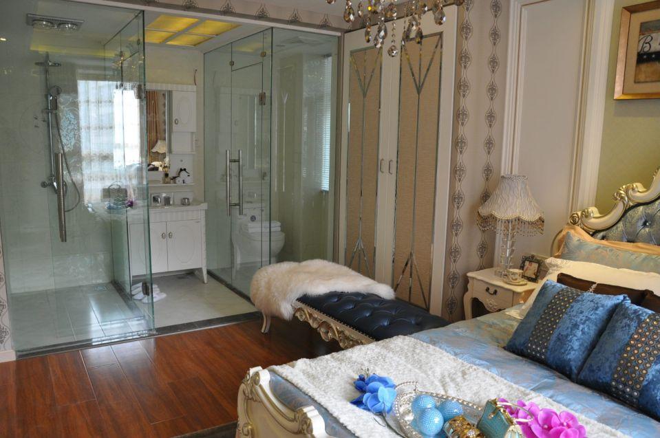 卫生间白色洗漱台新古典风格装修图片