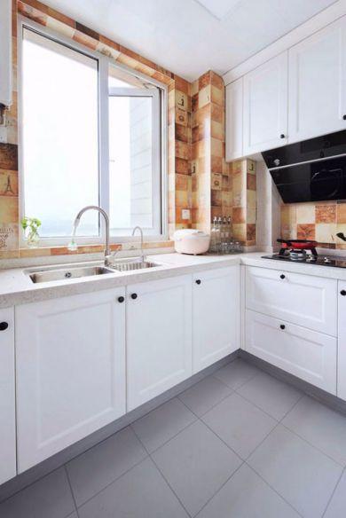 厨房白色橱柜现代欧式风格效果图