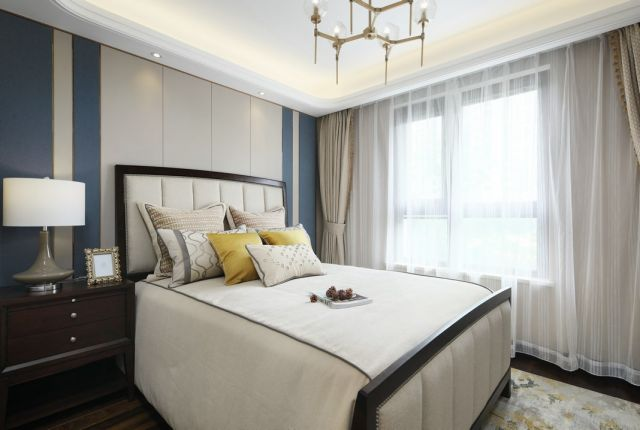 卧室米色窗帘美式风格装饰设计图片