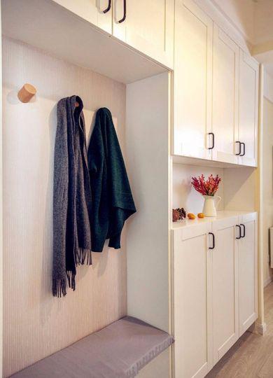 客厅白色衣柜装饰效果图