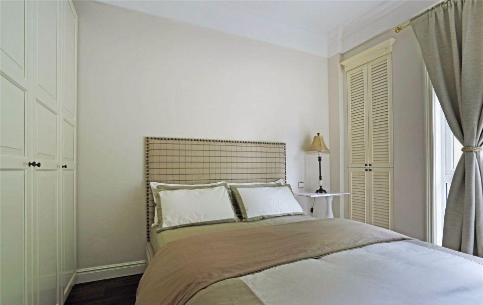 卧室米色衣柜美式风格装潢设计图片