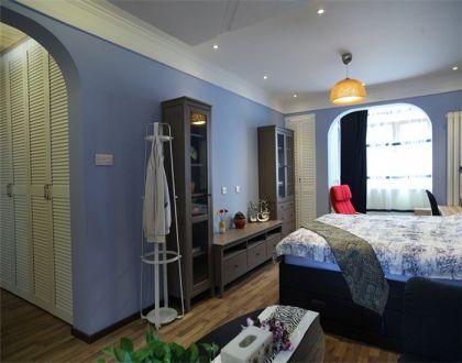 臥室白色吊頂地中海風格裝修圖片