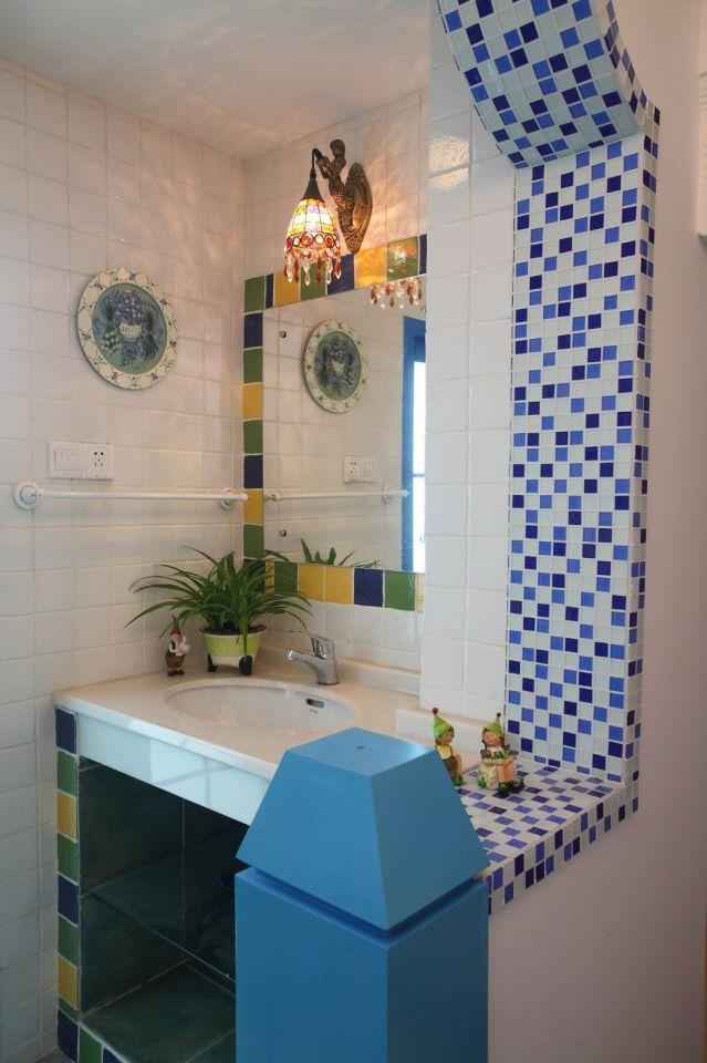 衛生間白色洗漱臺地中海風格裝飾設計圖片