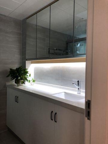 简单大气白色卫生间室内u乐娱乐平台设计