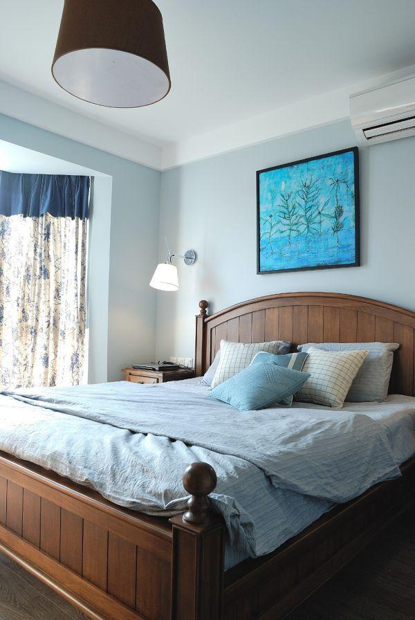 沉稳卧室美式实木家具装潢效果图