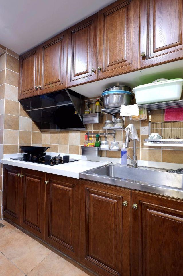 厨房实木橱柜混搭实景图