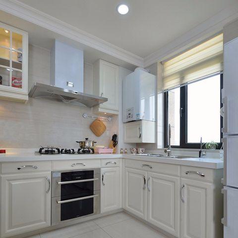 廚房米色櫥柜美式風格裝飾設計圖片