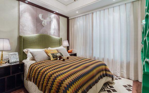 臥室白色窗簾美式風格裝潢設計圖片