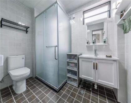 衛生間白色洗漱臺現代簡約風格裝修設計圖片