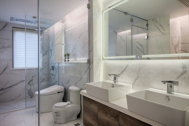 衛生間白色洗漱臺簡約風格裝修效果圖