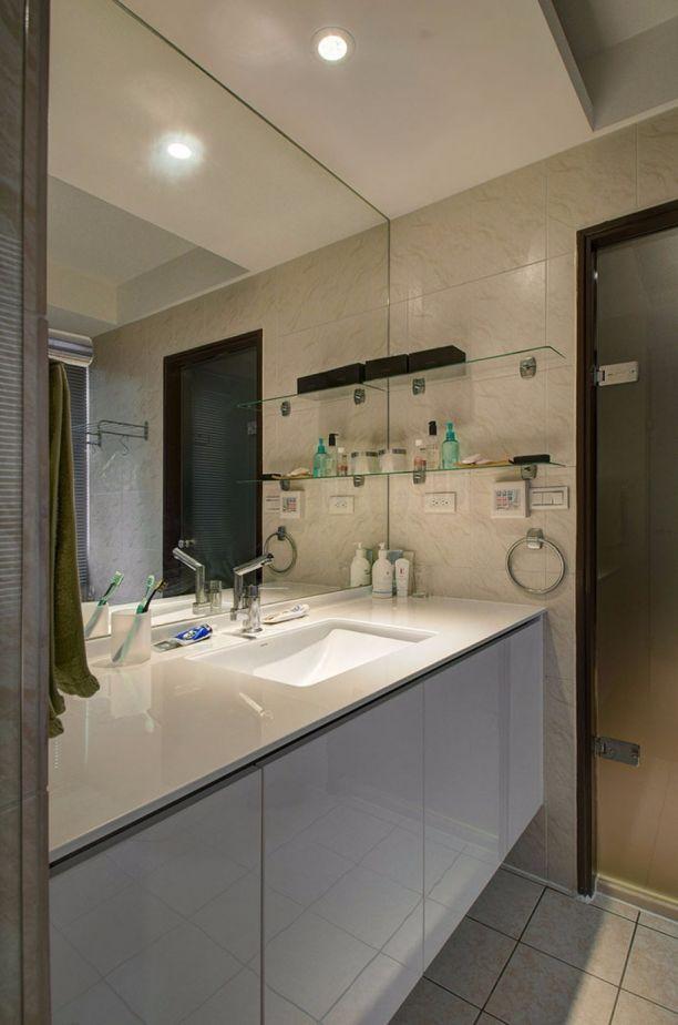 衛生間米色洗漱臺簡約風格裝飾效果圖