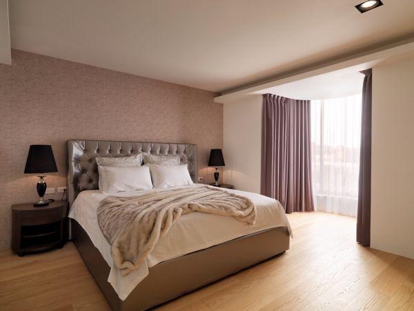 卧室床简欧装潢图片