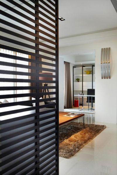 客厅黑色隔断装修方案