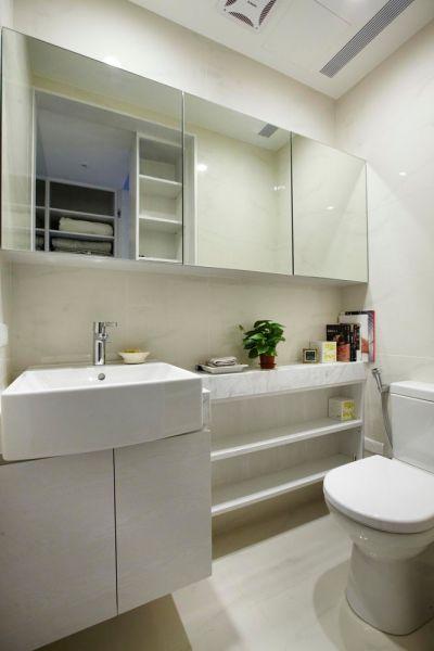 白色简欧卫生间洗漱台装饰设计