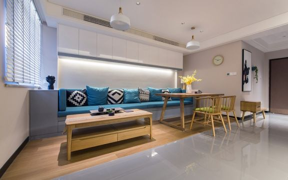 客厅沙发简约装饰设计图片