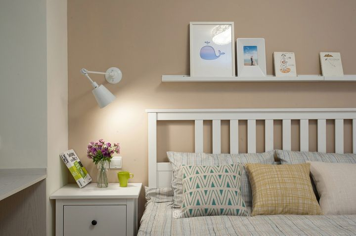 美轮美奂咖啡色背景墙装潢图片
