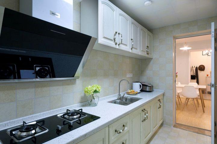 小巧玲珑厨房橱柜室内装修设计