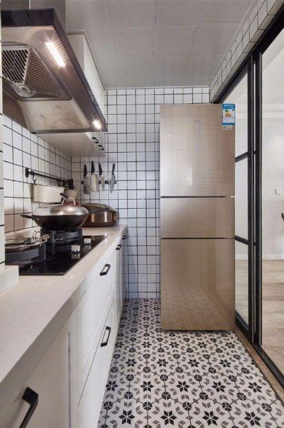 厨房米色橱柜装饰图