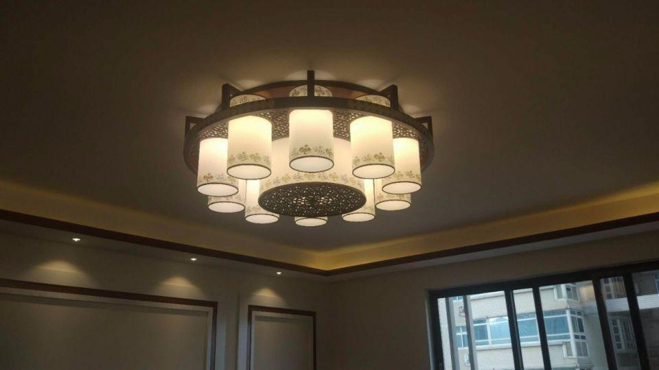 客厅灯具新中式装修实景图