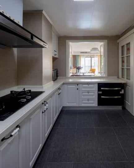大气厨房橱柜装潢图