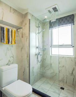 卫生间米色背景墙装修案例效果图