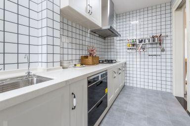 厨房一字型橱柜北欧装修实景图片
