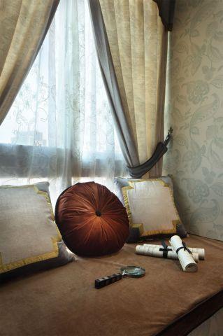 卧室米色飘窗设计方案