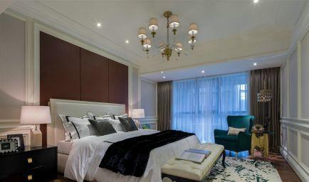 清新素丽彩色床装饰设计
