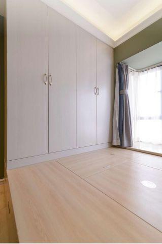 混搭卧室墙面榻榻米装修案例图片