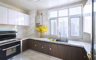 朴素温馨厨房岛台装潢设计图片