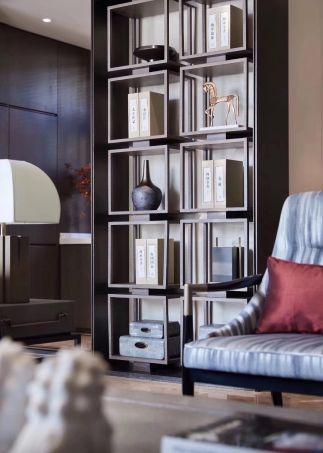 2019新中式起居室装修设计 2019新中式博古架装修图